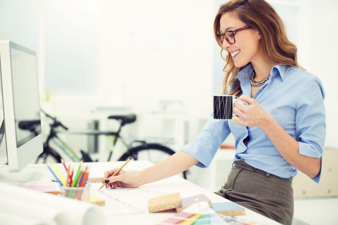 5 Lucruri pe care le face o femeie de cariera