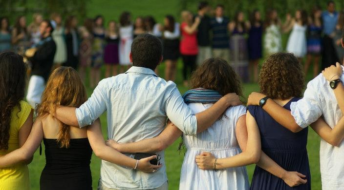 Când uitam să ne ajutăm unii pe alții…