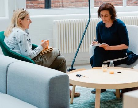 Coaching sau mentorat? Cum te ajută fiecare și care este diferența dintre cele două servicii